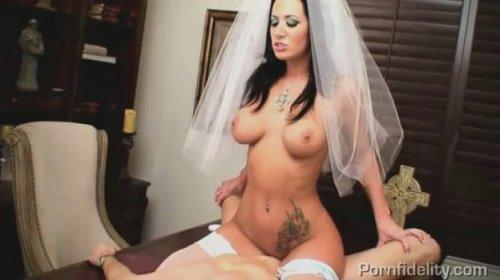 Порно священник и невеста