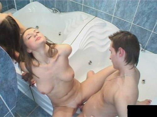 Порно брат и сестра в ванной фото