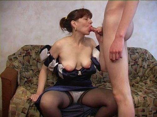 Трахнул взрослую женщину порно