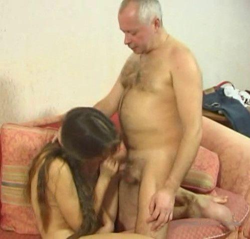 жеский секс отец трахает дочку крупным планом