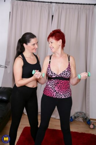 Pixiee Little EU 33, Sensual Caroline EU 62 - Sensual Caroline gets a special workout session from Pixiee Little (2018/FullHD)