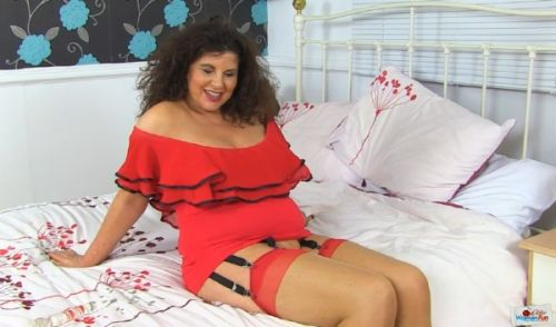 Gilly - Older Woman Fun 12 (2019/HD)