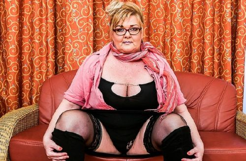 Helena (53) - Big, beautiful, mature lady Helena makes any man go nuts over her delicious curves. See her play just for you (2019/SD)