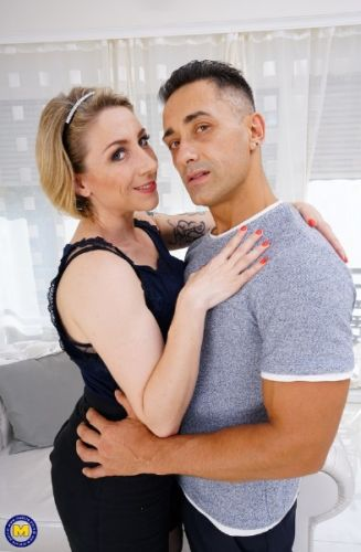 Julie Holly (EU) (35) - Hot French MILF getting an Anal creampie from her lover and enjoying every second of it (2019/FullHD)