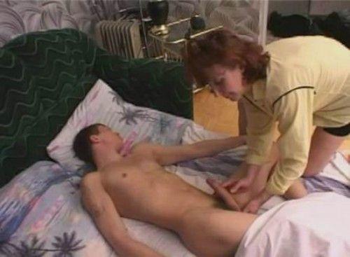 Порно Сын Под Кроватью